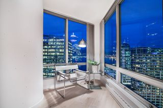 "Main Photo: 1901 837 W HASTINGS Street in Vancouver: Downtown VW Condo for sale in ""TERMINAL CITY CLUB"" (Vancouver West)  : MLS®# R2134243"