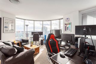 """Photo 5: 2207 233 ROBSON Street in Vancouver: Downtown VW Condo for sale in """"TV TOWER 2"""" (Vancouver West)  : MLS®# R2139702"""
