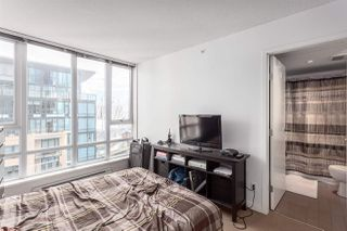 """Photo 8: 2207 233 ROBSON Street in Vancouver: Downtown VW Condo for sale in """"TV TOWER 2"""" (Vancouver West)  : MLS®# R2139702"""