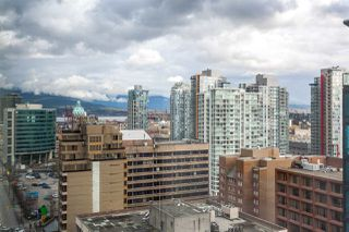 """Photo 16: 2207 233 ROBSON Street in Vancouver: Downtown VW Condo for sale in """"TV TOWER 2"""" (Vancouver West)  : MLS®# R2139702"""