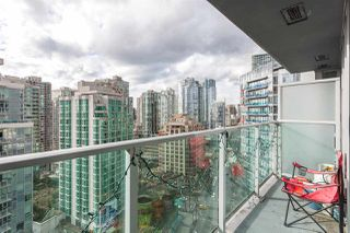 """Photo 13: 2207 233 ROBSON Street in Vancouver: Downtown VW Condo for sale in """"TV TOWER 2"""" (Vancouver West)  : MLS®# R2139702"""