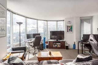 """Photo 6: 2207 233 ROBSON Street in Vancouver: Downtown VW Condo for sale in """"TV TOWER 2"""" (Vancouver West)  : MLS®# R2139702"""