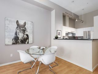 """Photo 7: 4 3586 RAINIER Place in Vancouver: Champlain Heights Townhouse for sale in """"THE SIERRA"""" (Vancouver East)  : MLS®# R2150720"""