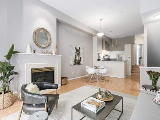 """Photo 3: 4 3586 RAINIER Place in Vancouver: Champlain Heights Townhouse for sale in """"THE SIERRA"""" (Vancouver East)  : MLS®# R2150720"""