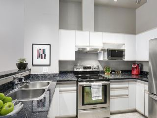 """Photo 4: 4 3586 RAINIER Place in Vancouver: Champlain Heights Townhouse for sale in """"THE SIERRA"""" (Vancouver East)  : MLS®# R2150720"""
