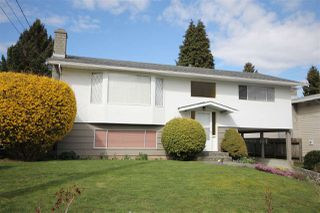 "Main Photo: 15681 GOGGS Avenue: White Rock House for sale in ""White Rock"" (South Surrey White Rock)  : MLS®# R2151652"