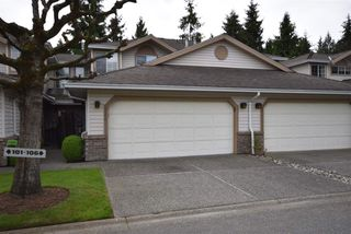 "Photo 2: 103 9715 148A Street in Surrey: Guildford Townhouse for sale in ""Chelsea Gate"" (North Surrey)  : MLS®# R2169261"