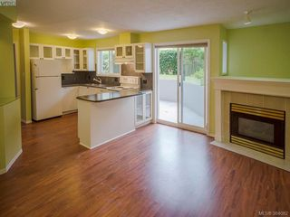 Photo 2: 105 445 Cook St in VICTORIA: Vi Fairfield West Condo Apartment for sale (Victoria)  : MLS®# 771947
