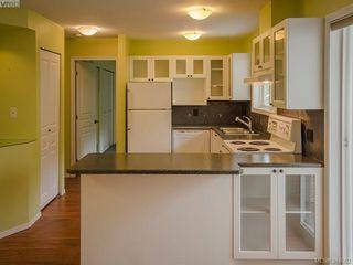 Photo 3: 105 445 Cook St in VICTORIA: Vi Fairfield West Condo for sale (Victoria)  : MLS®# 771947