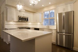 Photo 3: 48 2469 164 Street in White Rock: Condo for sale : MLS®# R2054335