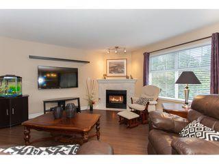 "Photo 3: 305 16085 83 Avenue in Surrey: Fleetwood Tynehead Condo for sale in ""Fairfield House"" : MLS®# R2220856"