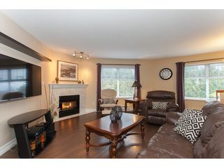 "Photo 2: 305 16085 83 Avenue in Surrey: Fleetwood Tynehead Condo for sale in ""Fairfield House"" : MLS®# R2220856"