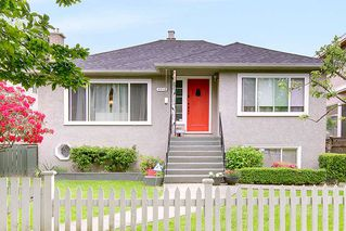 Photo 1: 4516 ONTARIO Street in Vancouver: Main House for sale (Vancouver East)  : MLS®# R2270312