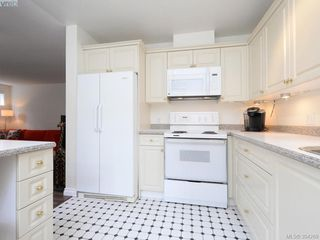 Photo 8: 105 1371 Hillside Ave in VICTORIA: Vi Oaklands Condo for sale (Victoria)  : MLS®# 790432