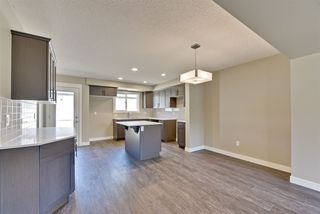 Photo 8: 1255 163 Street in Edmonton: Zone 56 Attached Home for sale : MLS®# E4120612