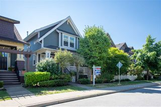 Photo 1: 9376 SINGH Street in Langley: Fort Langley House for sale : MLS®# R2291593