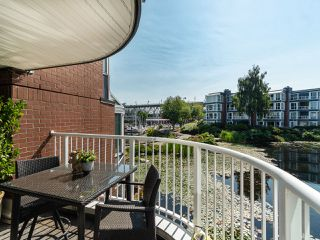 "Photo 9: 1594 ISLAND PARK Walk in Vancouver: False Creek Townhouse for sale in ""THE LAGOONS"" (Vancouver West)  : MLS®# R2297532"