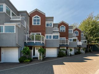 "Photo 42: 1594 ISLAND PARK Walk in Vancouver: False Creek Townhouse for sale in ""THE LAGOONS"" (Vancouver West)  : MLS®# R2297532"