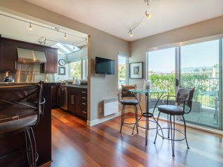 "Photo 18: 1594 ISLAND PARK Walk in Vancouver: False Creek Townhouse for sale in ""THE LAGOONS"" (Vancouver West)  : MLS®# R2297532"