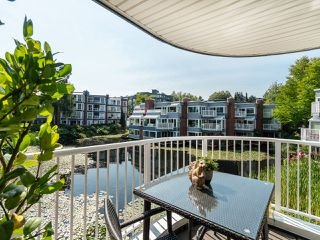"Photo 10: 1594 ISLAND PARK Walk in Vancouver: False Creek Townhouse for sale in ""THE LAGOONS"" (Vancouver West)  : MLS®# R2297532"