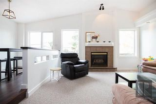 Photo 9: 153 Gobert Crescent in Winnipeg: River Park South Residential for sale (2F)  : MLS®# 1823677