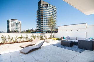 "Photo 4: PH 1510 W 6TH Avenue in Vancouver: Fairview VW Condo for sale in ""The Zonda"" (Vancouver West)  : MLS®# R2318217"