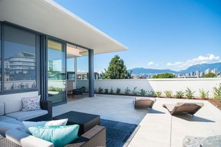 "Main Photo: PH 1510 W 6TH Avenue in Vancouver: Fairview VW Condo for sale in ""The Zonda"" (Vancouver West)  : MLS®# R2318217"