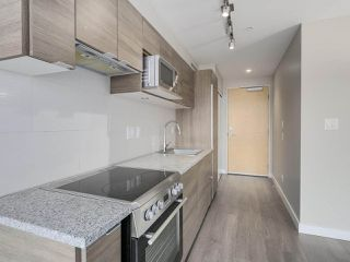 "Photo 10: 801 488 SW MARINE Drive in Vancouver: Marpole Condo for sale in ""MARINE GATEWAY"" (Vancouver West)  : MLS®# R2329248"