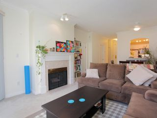 "Photo 2: 211 360 E 36TH Avenue in Vancouver: Main Condo for sale in ""MAGNOLIA GATE"" (Vancouver East)  : MLS®# R2338293"