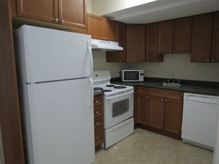 Photo 3: 5 4902B 43 Street: Legal Townhouse for sale : MLS®# E4143737