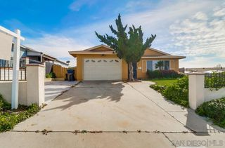 Photo 3: ENCANTO House for sale : 4 bedrooms : 5621 Zircon in San Diego