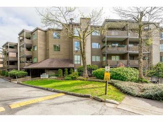 "Main Photo: 402 10680 151A Street in Surrey: Guildford Condo for sale in ""LINCOLN'S HILL"" (North Surrey)  : MLS®# R2353036"