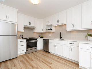 Photo 10: 2944 Robalee Place in VICTORIA: La Goldstream Half Duplex for sale (Langford)  : MLS®# 407689