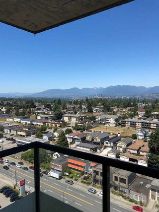 """Photo 10: 2002 7077 BERESFORD Street in Burnaby: Highgate Condo for sale in """"CITY CLUB IN THE PARK"""" (Burnaby South)  : MLS®# R2359684"""