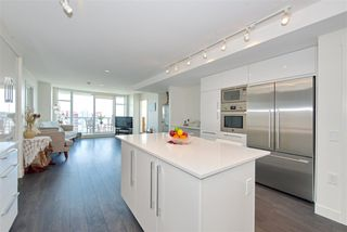 """Photo 6: 1303 188 AGNES Street in New Westminster: Downtown NW Condo for sale in """"ELLIOTT STREET"""" : MLS®# R2361561"""