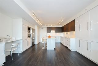 """Photo 9: 1303 188 AGNES Street in New Westminster: Downtown NW Condo for sale in """"ELLIOTT STREET"""" : MLS®# R2361561"""