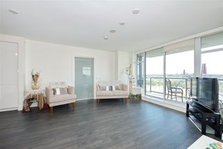 """Photo 12: 1303 188 AGNES Street in New Westminster: Downtown NW Condo for sale in """"ELLIOTT STREET"""" : MLS®# R2361561"""