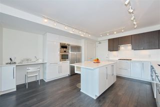 """Photo 5: 1303 188 AGNES Street in New Westminster: Downtown NW Condo for sale in """"ELLIOTT STREET"""" : MLS®# R2361561"""