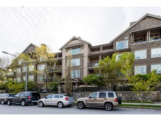 "Photo 1: 402 250 SALTER Street in New Westminster: Queensborough Condo for sale in ""PADDLERS LANDING"" : MLS®# R2363260"