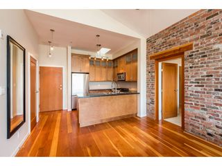 """Photo 8: 402 250 SALTER Street in New Westminster: Queensborough Condo for sale in """"PADDLERS LANDING"""" : MLS®# R2363260"""