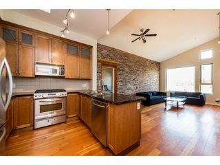 """Photo 3: 402 250 SALTER Street in New Westminster: Queensborough Condo for sale in """"PADDLERS LANDING"""" : MLS®# R2363260"""