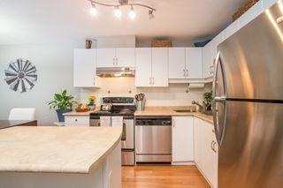 "Photo 6: 206 1668 GRANT Avenue in Port Coquitlam: Glenwood PQ Condo for sale in ""Glenwood Terrace"" : MLS®# R2370753"