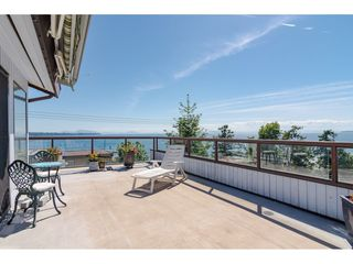 "Photo 2: 15071 BUENA VISTA Avenue: White Rock House 1/2 Duplex for sale in ""WHITE ROCK HILLSIDE"" (South Surrey White Rock)  : MLS®# R2372638"