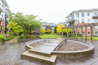 "Photo 11: 222 9500 ODLIN Road in Richmond: West Cambie Condo for sale in ""CAMBRIDGE PARK"" : MLS®# R2373803"