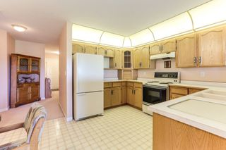 """Photo 8: 315 22611 116 Avenue in Maple Ridge: East Central Condo for sale in """"Fraserview Village Rosewood Court"""" : MLS®# R2378366"""