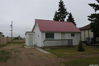 Photo 2: 311 Burrows Avenue West in Melfort: Residential for sale : MLS®# SK775848
