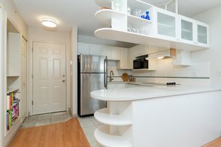 Photo 5: PH2 5723 BALSAM Street in Vancouver: Kerrisdale Condo for sale (Vancouver West)  : MLS®# R2378875