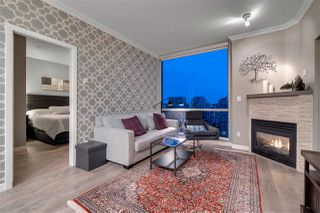 """Photo 4: 2306 928 RICHARDS Street in Vancouver: Yaletown Condo for sale in """"THE SAVOY"""" (Vancouver West)  : MLS®# R2379612"""