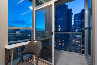 """Photo 13: 2306 928 RICHARDS Street in Vancouver: Yaletown Condo for sale in """"THE SAVOY"""" (Vancouver West)  : MLS®# R2379612"""