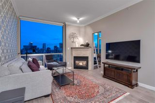 """Photo 5: 2306 928 RICHARDS Street in Vancouver: Yaletown Condo for sale in """"THE SAVOY"""" (Vancouver West)  : MLS®# R2379612"""